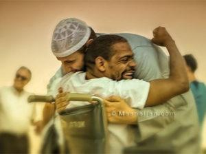 Помощь брату-мусульманину лучше, чем совершение итикафа